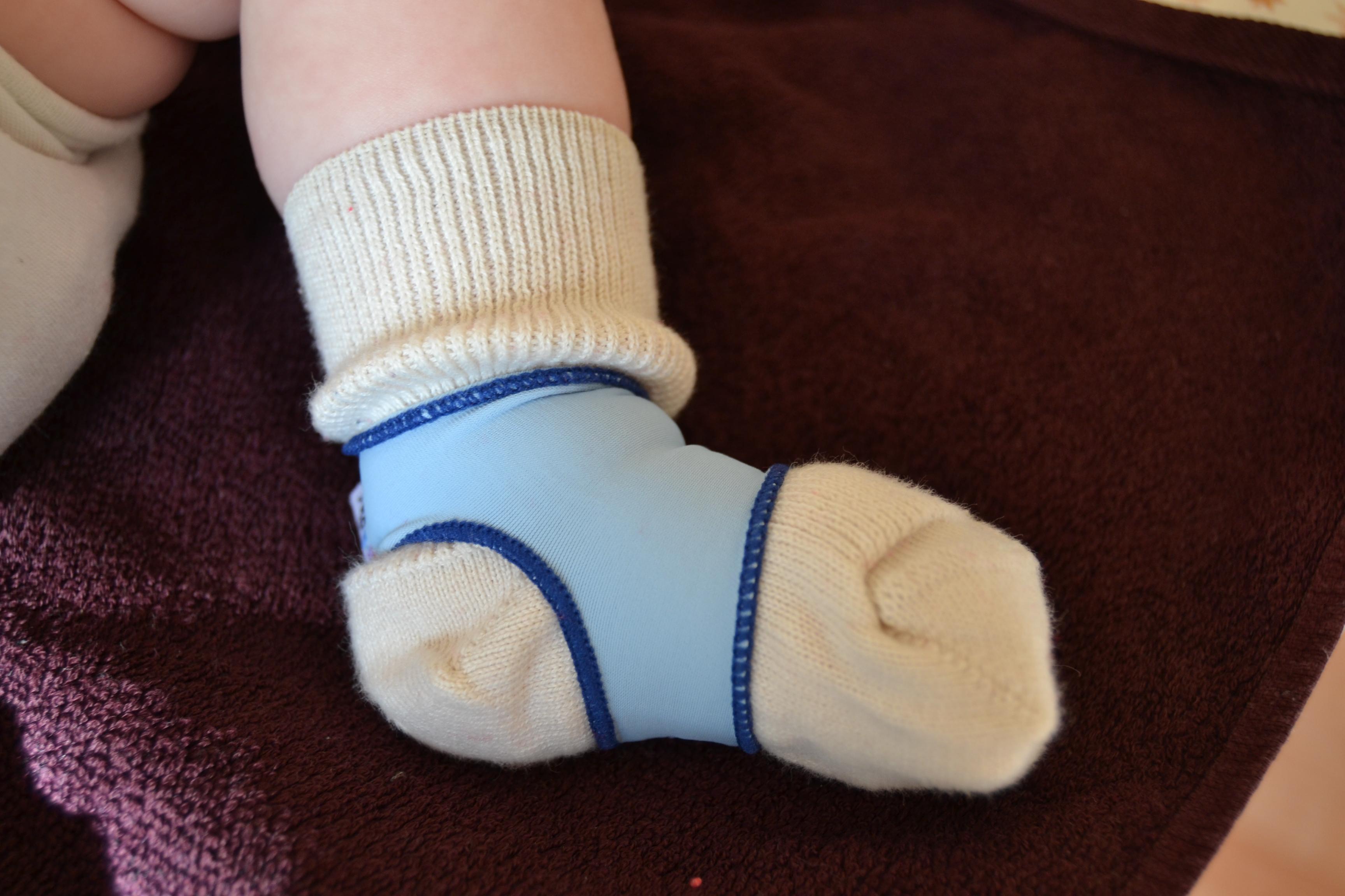 60% Rabatt Wählen Sie für offizielle Schnelle Lieferung Baby Sockenhalter (Sock ons) – Mein Baby strampelt sich ...